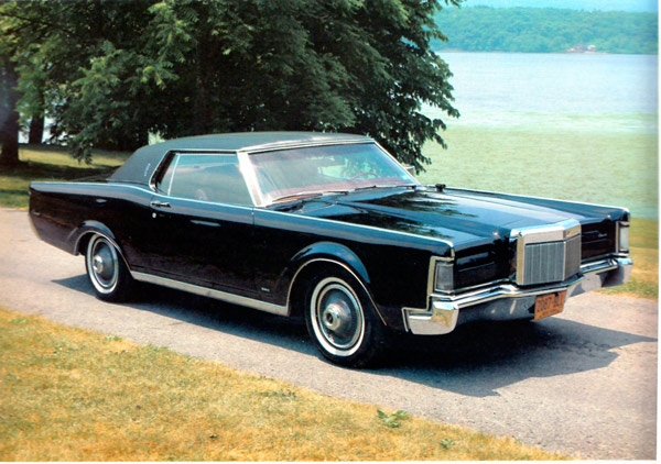 lincoln continental 1968 et lincoln mark iii 1969 voitures anciennes et classiques de montreal. Black Bedroom Furniture Sets. Home Design Ideas